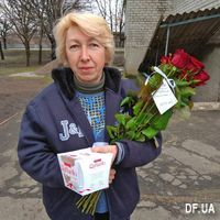 Букет 11 красных роз - Фото 11