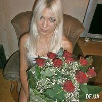 Букет 9 алых роз - Фото 1