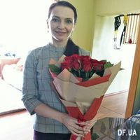 A bouquet of red roses - Photo 1