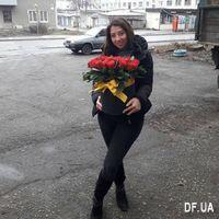 Алые розы в шляпной коробке - Фото 1