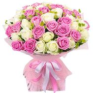 """65 white and pink roses"" in the online flower shop df.ua"