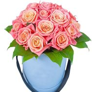 17 roses in a round box - flowers and bouquets on df.ua