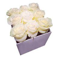 9 белых роз в квадратной коробке - цветы и букеты на df.ua