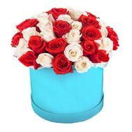 Белые и красные розы в круглой коробке - цветы и букеты на df.ua