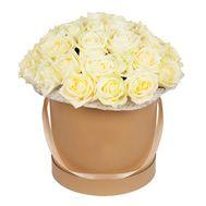 Белые розы в круглой коробке - цветы и букеты на df.ua
