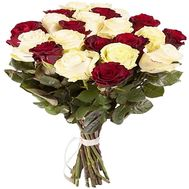 Bouquet of red and white imported roses - flowers and bouquets on df.ua