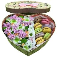 Flowers and sweets in the box to buy - flowers and bouquets on df.ua