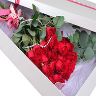 Imported roses in a long box - flowers and bouquets on df.ua