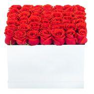 Композиция из красных роз в квадратной коробке - цветы и букеты на df.ua