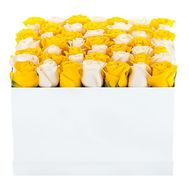 Box of white and yellow roses - flowers and bouquets on df.ua
