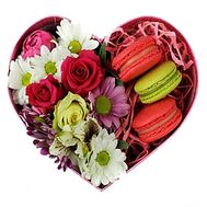 Box with flowers and macaroons - flowers and bouquets on df.ua