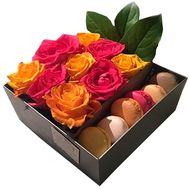Box with fresh flowers and sweets - flowers and bouquets on df.ua