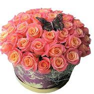 Красивая круглая коробка с розами - цветы и букеты на df.ua