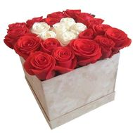 Red and white roses in a box - flowers and bouquets on df.ua