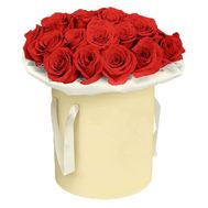 Red roses in a hat box - flowers and bouquets on df.ua