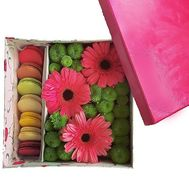 Macaroons and flowers set - flowers and bouquets on df.ua