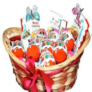A set of sweets kinder in the basket - flowers and bouquets on df.ua