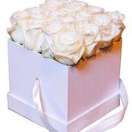 Розы в квадратной коробке - цветы и букеты на df.ua