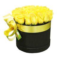 Розы желтого цвета в круглой коробке - цветы и букеты на df.ua