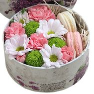 Bouquet of macaroons and flowers - flowers and bouquets on df.ua