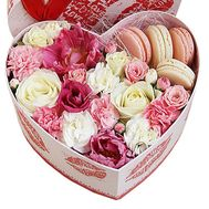 Flowers and macaroons in a box to buy - flowers and bouquets on df.ua
