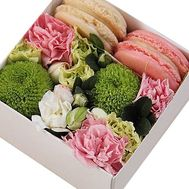 Box with pasta and flowers - flowers and bouquets on df.ua