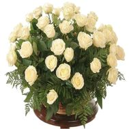 Basket with white roses for woman - flowers and bouquets on df.ua