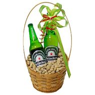 Men`s basket with beer and pistachios - flowers and bouquets on df.ua