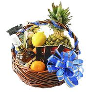 Men`s basket with whiskey - flowers and bouquets on df.ua
