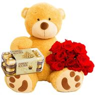Huge bear with roses and sweets - flowers and bouquets on df.ua