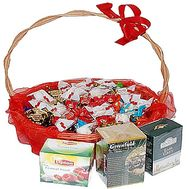 Gift basket with sweets and tea - flowers and bouquets on df.ua