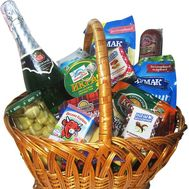 Grocery gift basket - flowers and bouquets on df.ua