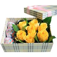 Roses in a Box with Sweets - flowers and bouquets on df.ua