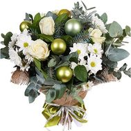 A bouquet for the New Year with flowers and toys - flowers and bouquets on df.ua