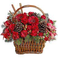 Корзина цветов с шишками и ветками сосны - цветы и букеты на df.ua