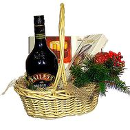 Basket with liquor «Baileys» and sweets - flowers and bouquets on df.ua