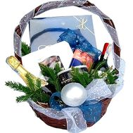 New Year gift basket with sweets - flowers and bouquets on df.ua