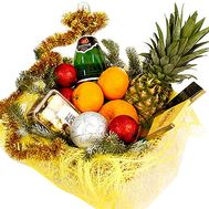 New Year`s gift basket with New Year`s decor - flowers and bouquets on df.ua