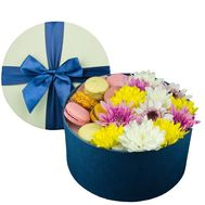 Composition of macaroons with flowers - flowers and bouquets on df.ua