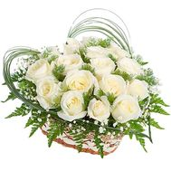 Heart of white roses - flowers and bouquets on df.ua