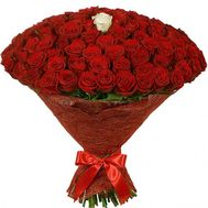 100 red roses and 1 white rose - flowers and bouquets on df.ua