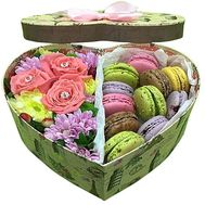 Box with flowers and sweets - flowers and bouquets on df.ua