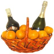 Basket of champagne, liqueur and tangerines - flowers and bouquets on df.ua
