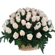 Buy a basket of roses - flowers and bouquets on df.ua