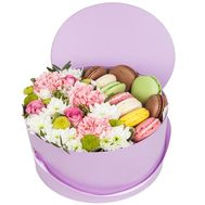 Macaroons and flowers in a box - flowers and bouquets on df.ua