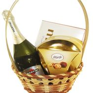 Small champagne gift basket - flowers and bouquets on df.ua