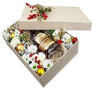 New Year`s gift box with cognac - flowers and bouquets on df.ua