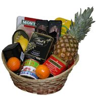 Give a basket of products - flowers and bouquets on df.ua