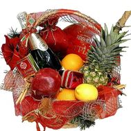 Gift basket with fruits and champagne - flowers and bouquets on df.ua