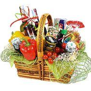 Продуктовая корзина в подарок женщине - цветы и букеты на df.ua